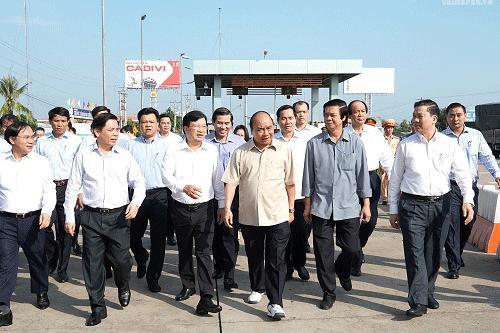 政府总理视察中良-美顺高速公路项目