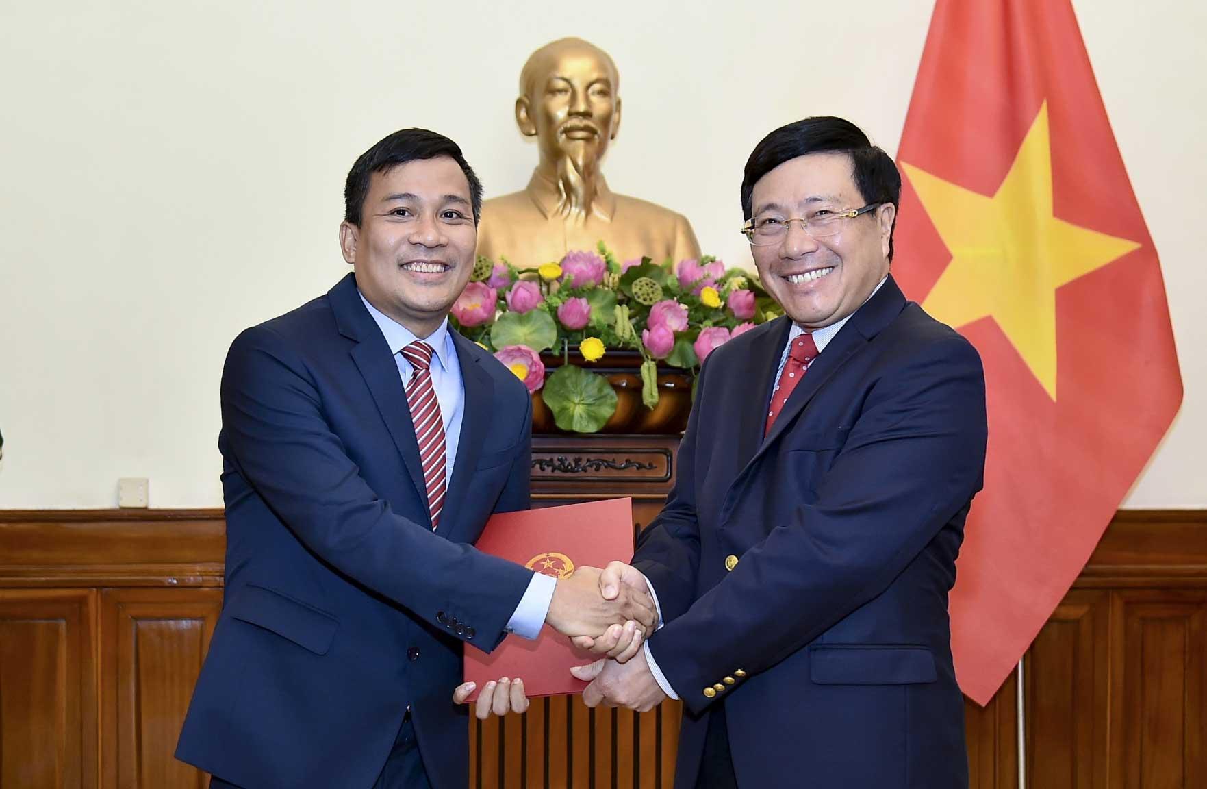 越南外交部对外政策司司长阮明武升任外交部副部长