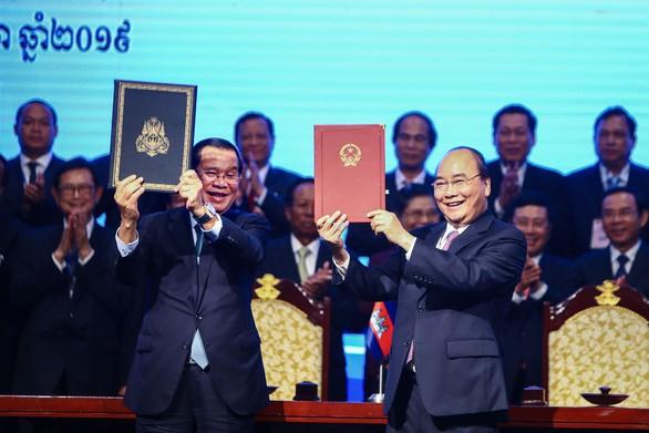 越柬签署关于两国边界重要法律文件