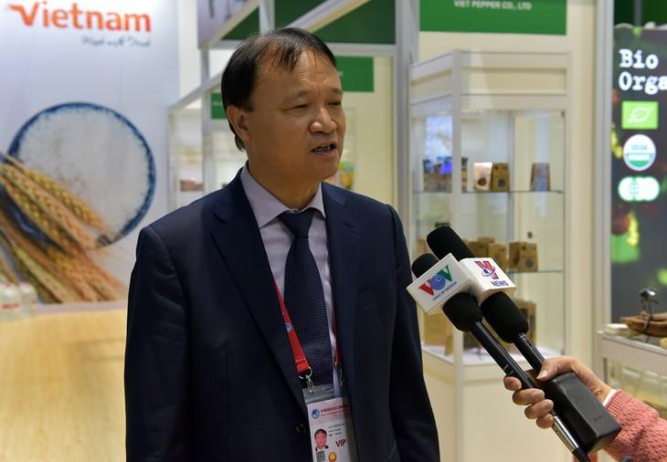 大力推动越南货品通过正贸方式向中国出口