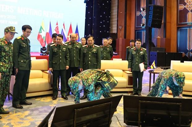 越南将确保东盟防长非正式会议的安全举办