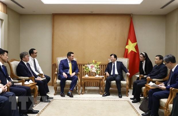 美国和韩国投资商关注越南液化天然气发电项目