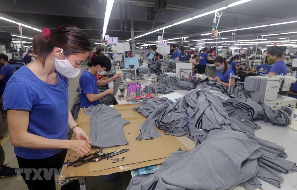 七成以上的企业已推出劳动者扶助措施