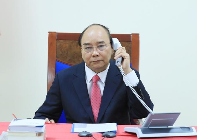 政府总理阮春福与新加坡总理李显龙通电话