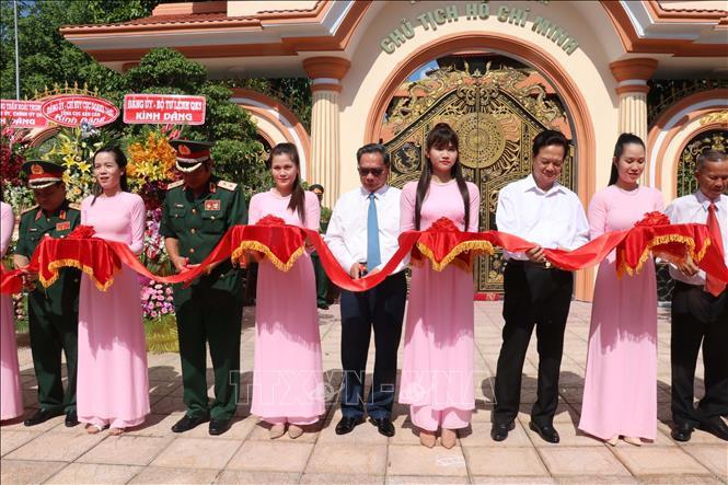 胡志明主席纪念馆落成典礼在芹苴市第9军区举行