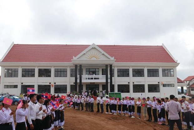 老挝高度评价越南为该国教育领域所提供的援助