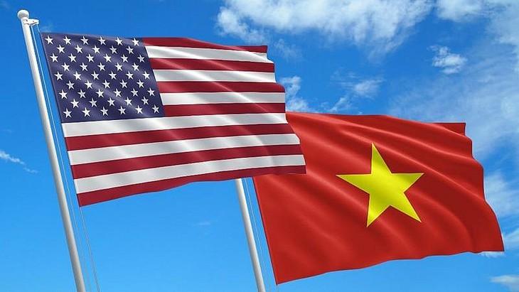 美国国会介绍纪念越美关系正常化25周年的两项决议