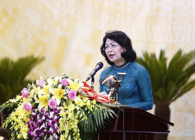 邓氏玉盛副主席:力争使和平省成为北部山区与丘陵地区的先驱