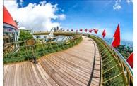 岘港市迎接扑灭第二波疫情后的首批游客