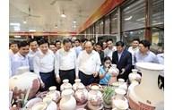 阮春福总理出席海阳省南册县孚联村全民族大团结日活动