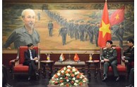 推动越印两国关系继续深入务实且有效发展