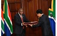 """努力促进越南与南非""""致力于合作与发展""""伙伴关系"""