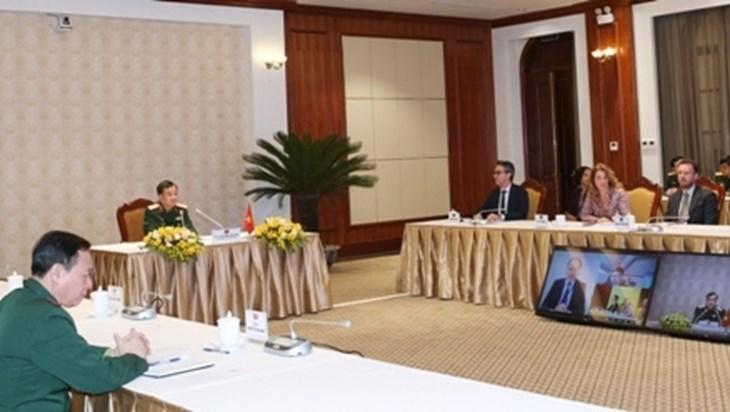 加强越南和欧盟防务合作