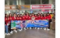 岘港市接待来自河内市的700人旅游团