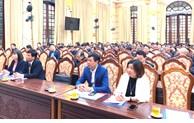 河内市直属机关党委学习和贯彻落实该市党代会决议