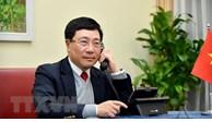 政府副总理兼外长范平明与文莱外交与贸易部第二部长艾瑞万通电话