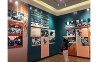 """""""胡志明主席——越南共产党创始人、领导人与磨练人""""专题图片展开展"""