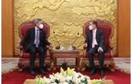 促进越南与新加坡执政党的合作关系