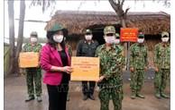 越南国家副主席武氏映春走访慰问西南边境地区新冠疫情防控一线人员