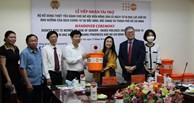 联合国人口基金会向越南疫区妇女儿童捐赠5100套必需品