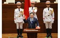 中国全国人大常委员会委员长栗战书向越南国会主席王廷惠致贺电