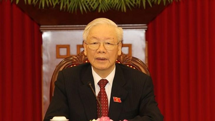越共中央总书记阮富仲与古共中央第一书记、国家主席迪亚斯·卡内尔通电话