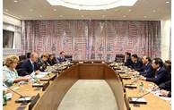 越南国家主席阮春福会见各国高级领导人和世行行长