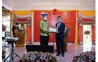 促进越南与泰国友好合作关系持续发展
