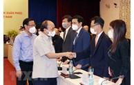 国家主席阮春福会见越南青年企业家代表