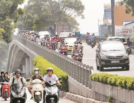Thành phố dành 5.000 tỷ đồng triển khai 15 dự án giao thông quan trọng