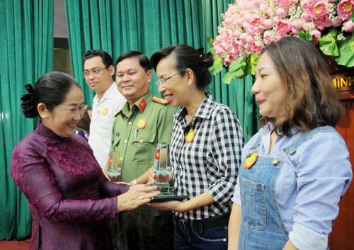 MTTQ TP Hồ Chí Minh vận động hơn 50,7 tỉ đồng chăm lo biên cương, hải đảo