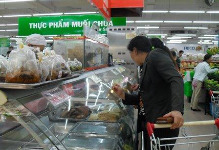 """TP Hồ Chí Minh triển khai """"Tháng hành động vì an toàn thực phẩm"""" năm 2017"""