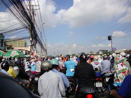 Nỗ lực giải quyết tình trạng kẹt xe khu vực sân bay Tân Sơn Nhất