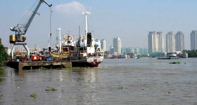 TP.Hồ Chí Minh tăng cường đảm bảo an toàn cháy nổ trên các phương tiện thủy nội địa