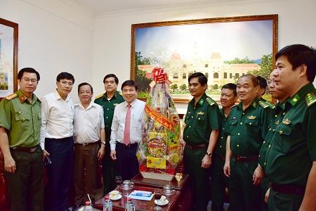 Chủ tịch UBND TP. Hồ Chí Minh thăm, chúc Tết các đơn vị