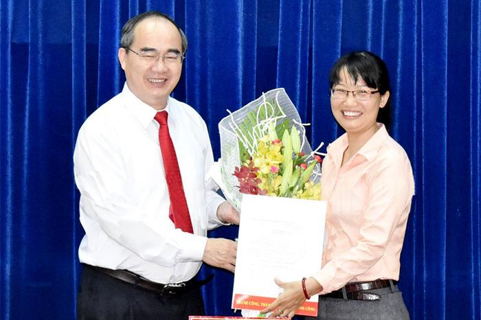 Đồng chí Trần Thị Diệu Thúy nhận nhiệm vụ Chủ tịch Liên đoàn Lao động TP.Hồ Chí Minh