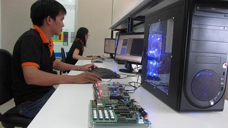 TP. Hồ Chí Minh cần khoảng 80.000 chỗ làm việc trong quý II/2018