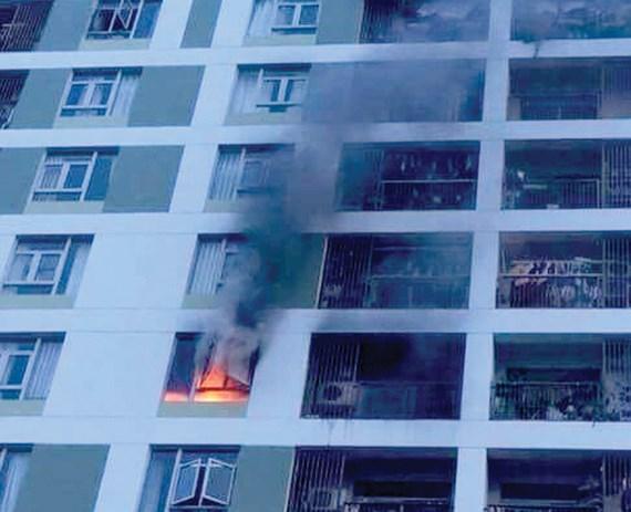 Cháy chung cư Parc Spring, hàng trăm cư dân tháo chạy