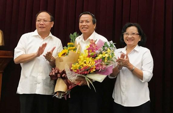Lãnh đạo TP Hồ Chí Minh trao quyết định nhân sự