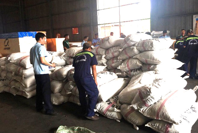Bắt giữ hơn 3 tấn vảy tê tê nhập khẩu trái phép từ Châu Phi