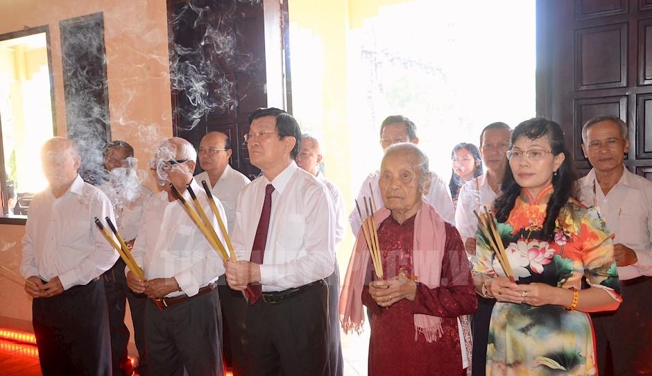 Kỷ niệm 50 năm Ngày hy sinh của 32 dân công hỏa tuyến