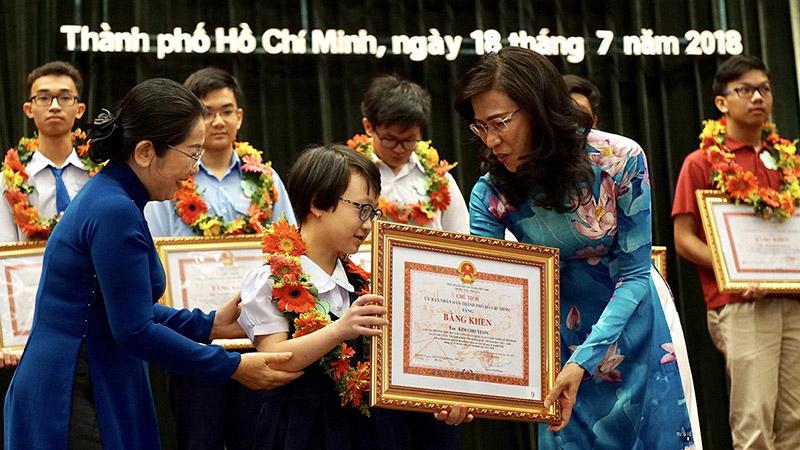 Tuyên dương, khen thưởng 778 học sinh giỏi tiêu biểu