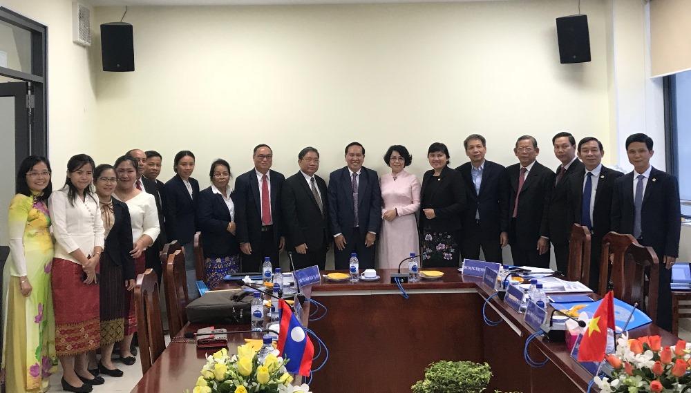 Thành phố Hồ Chí Minh và thủ đô Viêng Chăn (Lào) chia sẻ kinh nghiệm về công tác Mặt trận