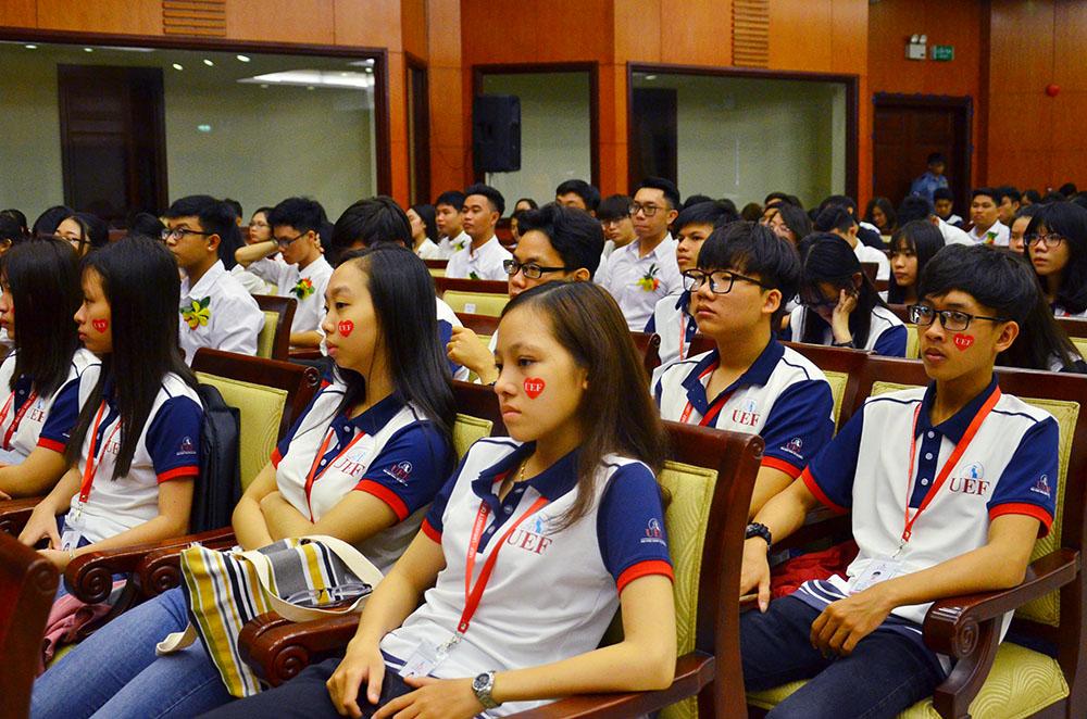 Trường Đại học Kinh tế - Tài chính TP Hồ Chí Minh khai giảng năm học mới