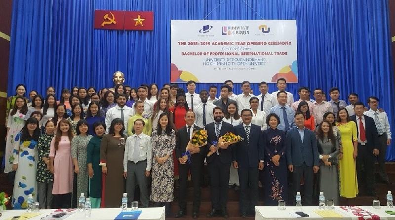 Trường Đại học Mở TP.Hồ Chí Minh khai giảng khóa liên kết với Trường Đại học Rouen Normandie (Pháp)