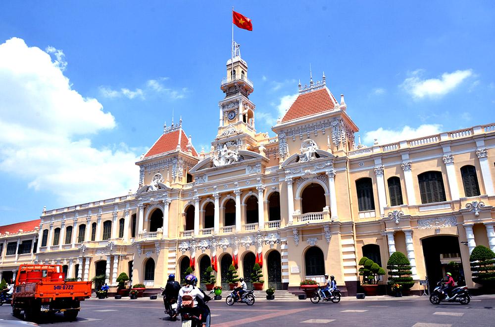 Tổ chức kỷ niệm 320 năm thành lập Sài Gòn - TP Hồ Chí Minh