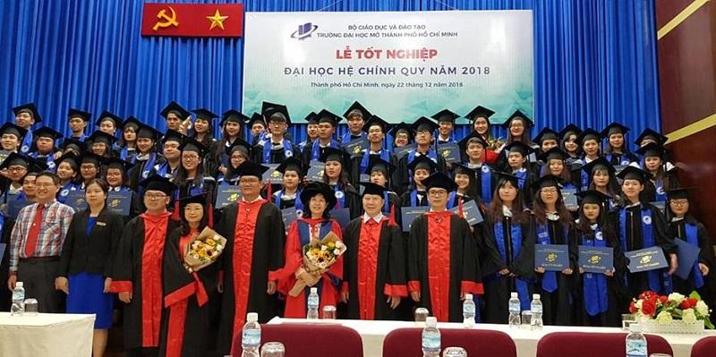 Tuyển dụng sinh viên xuất sắc vào làm việc tại các cơ quan Đảng, Nhà nước