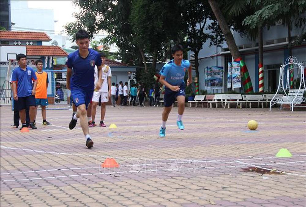Thành phố Hồ Chí Minh quan tâm đẩy mạnh bóng đá phong trào