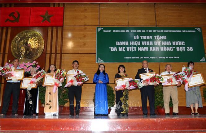Truy tặng danh hiệu Bà mẹ Việt Nam Anh hùng cho 16 Mẹ