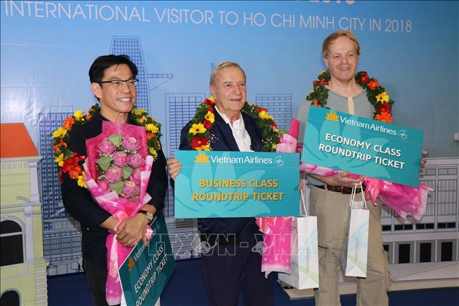 Thành phố Hồ Chí Minh đón vị khách quốc tế thứ 7 triệu trong năm 2018